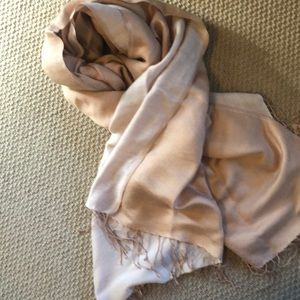 Delicate scarf/wrap